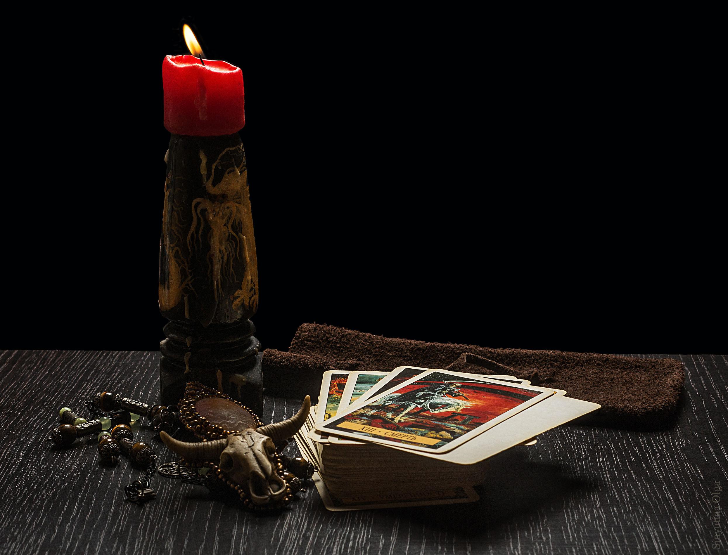 магия ч рный приворот на красную свечу и 30 иглолок
