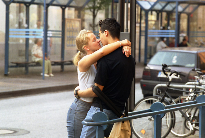 означающий выпьем, фотография поцелуй жизни форму