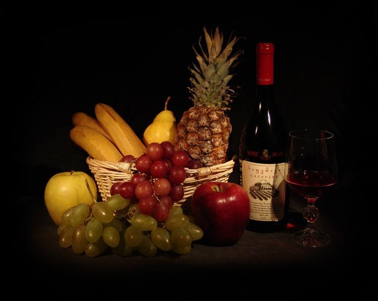 Открытка с вином на день рождения