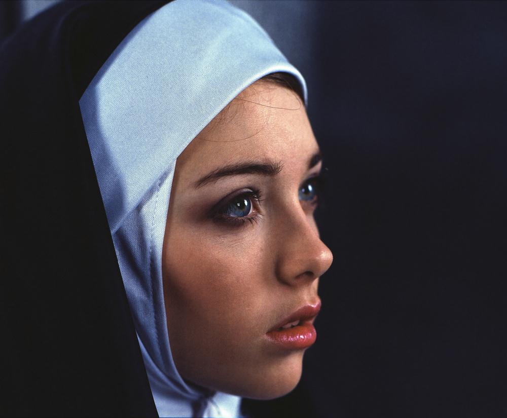 Красивая картинка монашка