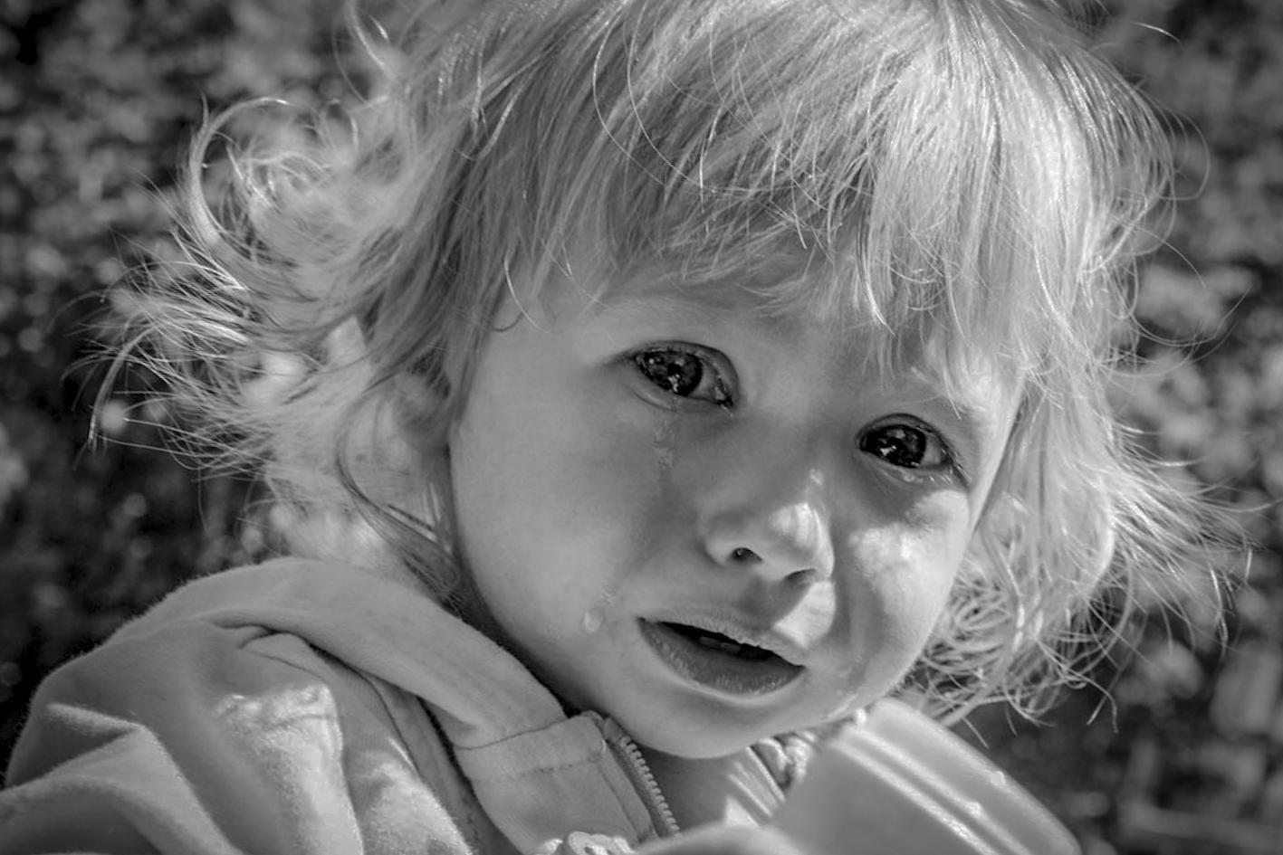 Картинка ученик грустный рассматривается