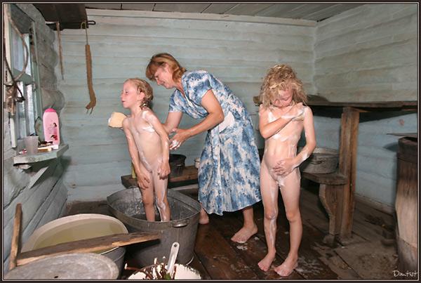 Качелях голышом в баньке вся семья дому возрасте краснодар