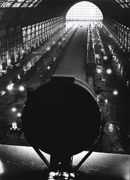 ©Аркадий Шайхет. «Киевский вокзал»