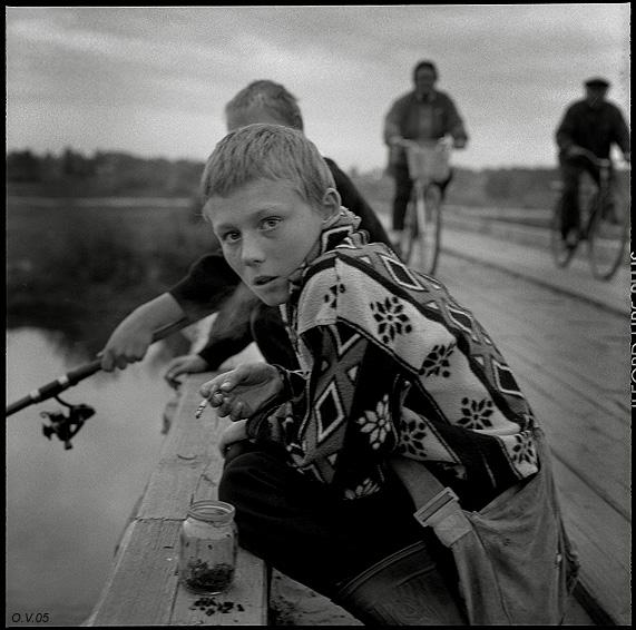 ©Олег Виденин. «Вечер на Хотылёвском мосту. Брянская область. 2005 год»