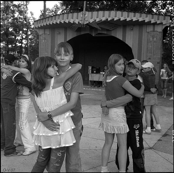 """©Олег Виденин. «Из серии """"Танцплощадка"""". Брянская область. 2007 год»"""