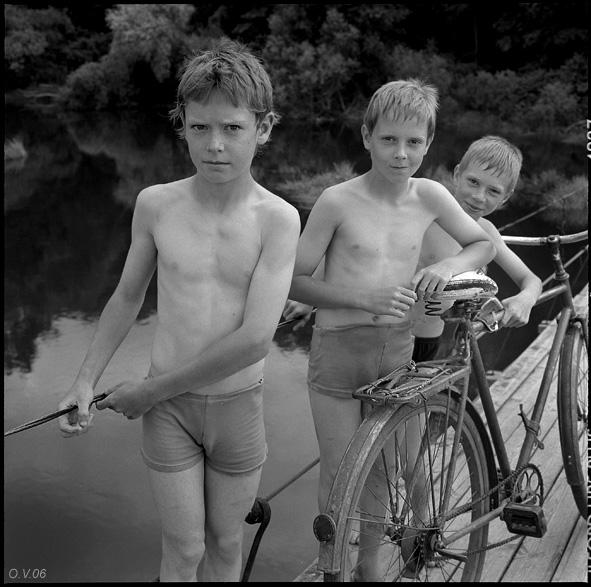 ©Олег Виденин. «Подвесной мост. Брянская область. 2006 год»
