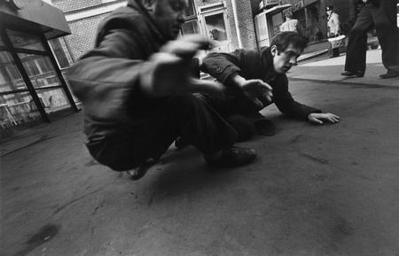 © Юрий РыбчинскийПьяные упали. Ул. Кирова (Мясницкая), Москва1984
