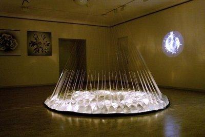©Алексей Кострома «Скорость падения». 2008 Мультимедийная инсталляция