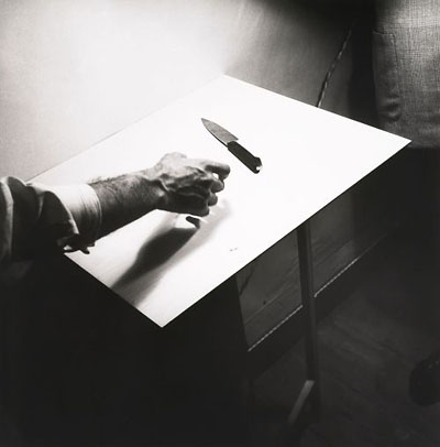©Фернанду Лемуш Рука и нож. 1949 – 1952 Из собрания Фонда Калуста Гулбенкяна