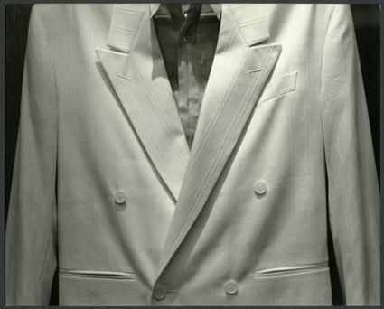 Энди Уорхол   «Одежда», c. 1976 – 1987   Желатиново-серебряный отпечаток, уникальный экземпляр   20.32 x 25.4 см   © 2008 The Andy Warhol Foundation for the Visual Arts