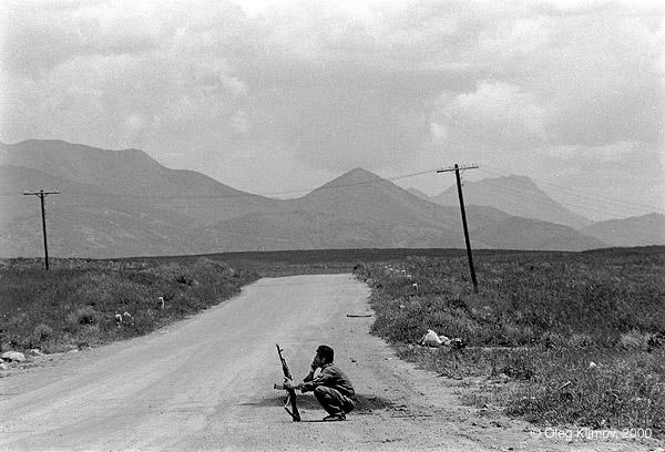 ©Олег Климов. «На армяно-азербайджанской границе. Карабах, 1990»