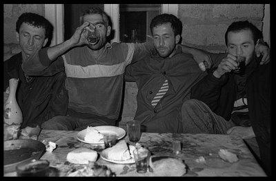 © Олег Климов. Южная Осетия, ужин с повстанцами