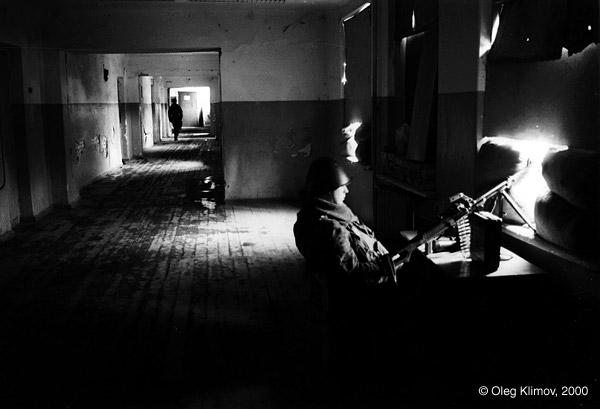 ©Олег Климов. «В российской казарме. Грозный, 1995»
