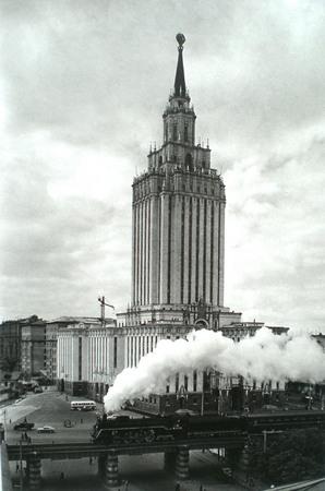 Наум Грановский. Гостиница «Ленинградская». Паровоз. 1960-е