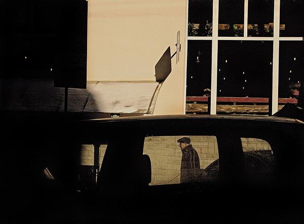 ©Людмила Зинченко. «Прохожий возле кафе Му-му на Пушечной улице, Москва, февраль 2007»