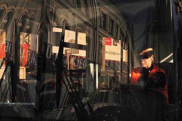 ©Людмила Зинченко. «Водитель троллейбуса на Трубной площади, Москва, март 2007»