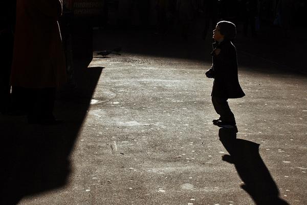 ©Людмила Зинченко. «Малыш. Лубянская площадь, Москва, апрель 2007»