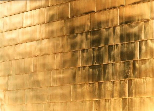 Золотая стена No.3 2007. Компьютерный отпечаток, Diasec 205 x 257 см. Тираж 6. Courtesy Purdy Hicks Gallery