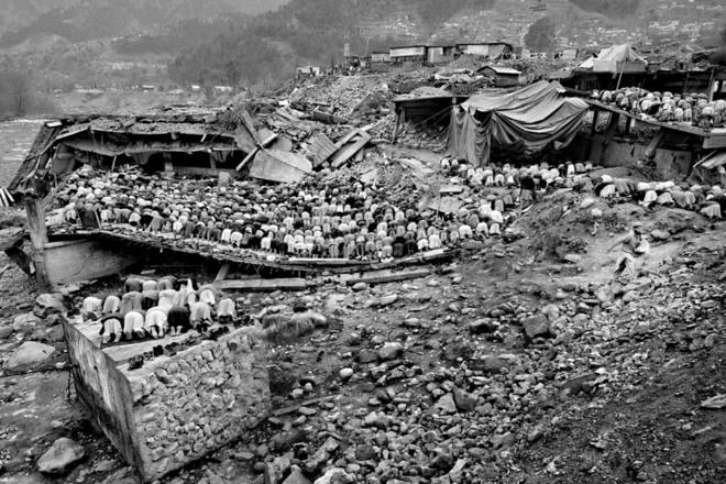 <p>Пакистан, Балакот, Северо-Западная пограничная провинция. Espen Rasmussen После 11сентября агентство повысило внимание кисламскому миру. Верующие посещают пятничные молитвы вмечети, разрушенной вовремя землетрясения вКашмире.</p>