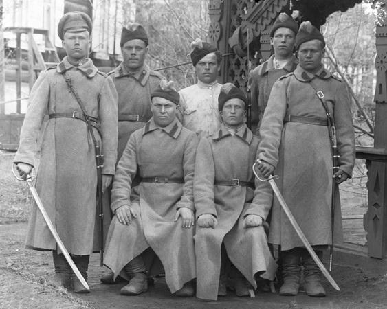 Рядовые кавалерийской части белой армии. Весна 1919 (ГАСО)