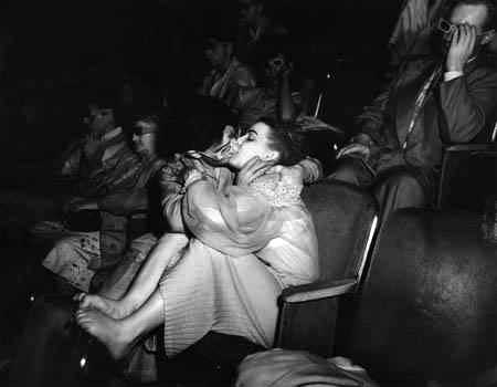 Парочка в кино, 1940-е