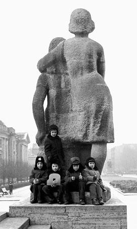 Олег Матюхин «Пионерская пл.», Ленинград, 1975