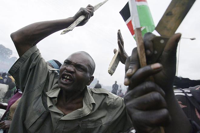 2-е место / События / серии<br /> <b>Роберто Шмидт (Roberto Schmidt),</b> Колумбия/Германия, Agence France-Presse<br /> Беспорядки после выборов в Кении, Найроби, 29-31 декабря