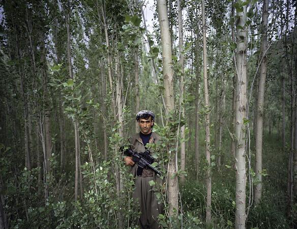 1-е место / Люди в новостях / серии<br /> <b>Филипп Дюдуа (Philippe Dudouit),</b> Швейцария, для Time magazine<br /> Бойцы Hабочей партии Курдистана, Южный Курдистан / Северный Ирак
