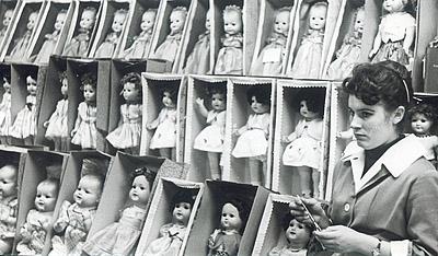©Анатолий Болдин. «Куклы. Москва. 1961»