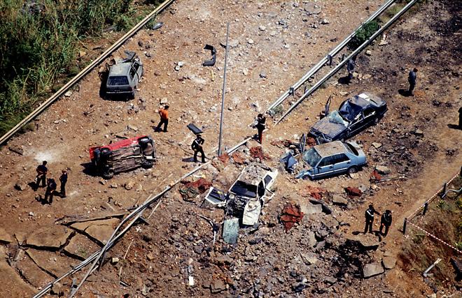 Palermo, mafia, Capaci&prime;s&nbsp;massacre, 1992&nbsp;&copy; Massimo Sestini<br /> Палермо, мафия, бойня в&nbsp;Капачи, 1992. Массимо Сестини<br /><br /> Международные интересы не&nbsp;мешают агентству пристально следить за&nbsp;местными событиями. Как с&nbsp;близкого, так и&nbsp;с&nbsp;далёкого расстония.