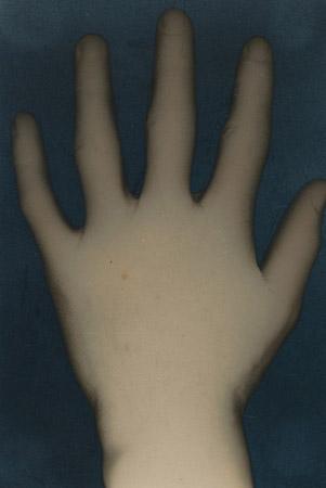 Hand - Ernõ Berda, c.1931. Gelatin silver print. National Gallery of Art, Washington.