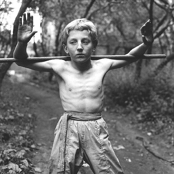 ©Евгений Мохорев. «Денис. Восточная гимнастика»
