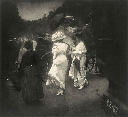 Edward Steichen. After the Grand Prix – Paris (Después del Grand Prix-París), 1907.