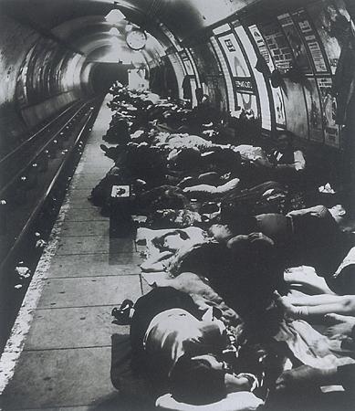 Билл Брандт. Метро. Во время бомбардировки Лондона. 1940