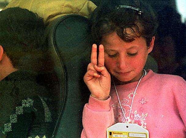 Люшин Перкинс. Автобус с беженцами. Косово. 1999