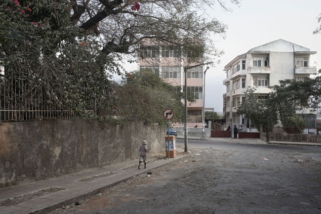 Guy Tillim Corner of Almeira Pibeiro and Patrice Lumumba Avenues, Maputo, Mozambique, 2007