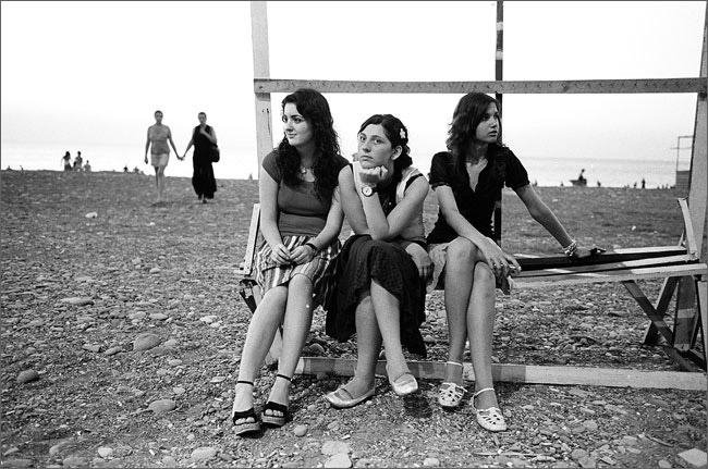 ©Игорь Мухин. «Городской пляж. Батуми. Июнь 2008»