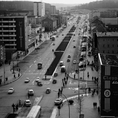 Heinrich Heidersberger. Wolfsburg, 1963. Schwarzweiß-Fotografie. 9100/70.1. © Heinrich Heidersberger/artur, www.heidersberger.de