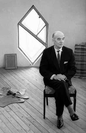 Виктор Ахломов<br /> «Архитектор Константин Мельников. Москва »<br /> 1966 <br /> Собрание автора