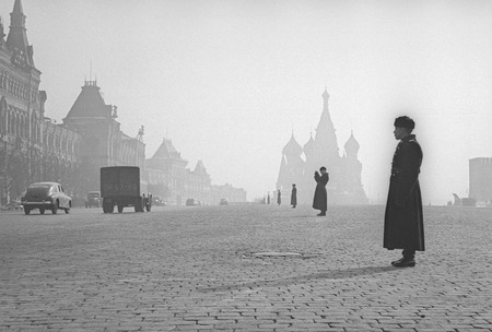 Виктор Ахломов<br /> «Красная площадь. Москва »<br /> 1959 <br /> Музей «Московский Дом фотографии»