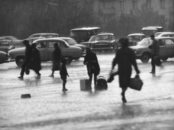 Михаил Дашевский. Дождь.  Москва, 1963 г.