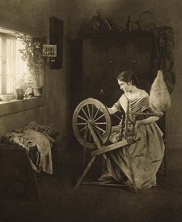 <p>Spinning Denotes An&nbsp;Original<br /> CLARKSON, EMILIE&nbsp; V., b<nobr>.1863&mdash;1946</nobr><br /> Camera Notes Vol. 2&nbsp;No.&nbsp;1,&nbsp;1898<br /> 12.5&nbsp;&times;&nbsp;15.2&nbsp;cm<br /> Photogravure</p>