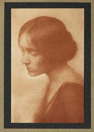 <p>Cyltie <br /> Dyer, William&nbsp; B., b<nobr>.1860&mdash;1931</nobr><br /> Camera Notes Vol. 5&nbsp;No.&nbsp;1,&nbsp;1901<br /> 10.3&nbsp;&times;&nbsp;16&nbsp;cm<br /> Photogravure</p>