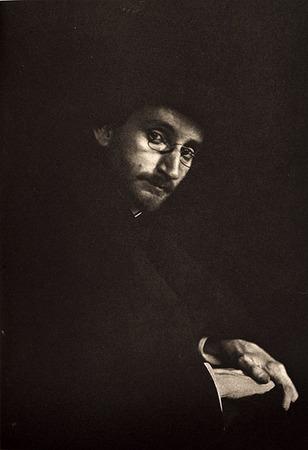 <p>Portrait of&nbsp;F.&nbsp;Holland Day <br /> KASEBIER, GERTRUDE, b<nobr>.1852&mdash;1934</nobr><br /> Camera Notes Vol. 3&nbsp;No.&nbsp;1,&nbsp;1899<br /> 12.1&nbsp;&times;&nbsp;17.5&nbsp;cm<br /> Photogravure</p>
