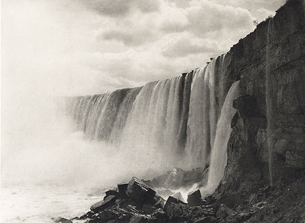 <p>Niagra Falls <br /> Murphy, William&nbsp; D., b<nobr>.1860&mdash;1935</nobr><br /> Camera Notes Vol. 2&nbsp;No.&nbsp;4,&nbsp;1899<br /> 16.5&nbsp;&times;&nbsp;12.2&nbsp;cm<br /> Photogravure</p>