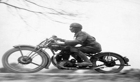 Martin Munkacsi, At 100 kilometers—Driver in Hungarian Tourist Trophy Race, 1929, © Joan Munkacsi, Courtesy of Ullstein Bild