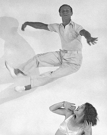 Martin Munkacsi, The Dance Team of Tibor von Halmay and Eva Sylt, ca. 1931, © Joan Munkacsi, Courtesy of F.C. Gundlach Collection