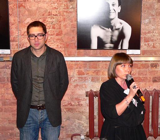На открытии выставки Алексея Никишина. Фото: Даша Шулеко
