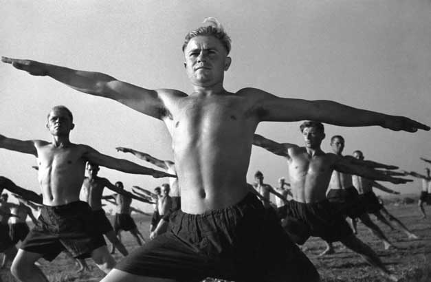 Аркадий Шайхет<br /> © 1932 Из серии «Красноармейская купальня»