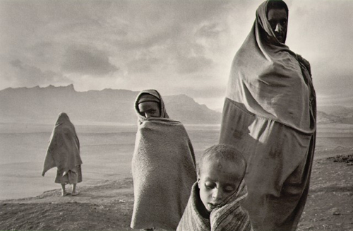 Refugees in the Korem Camp, Ethiopia 2004. � Sebastião Salgado